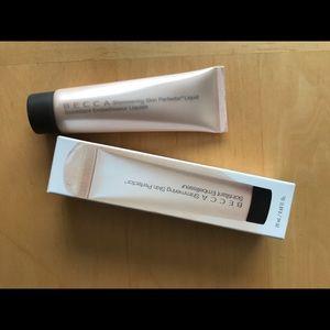 BeccaShimmering Skin Perfector Liquid highlighter